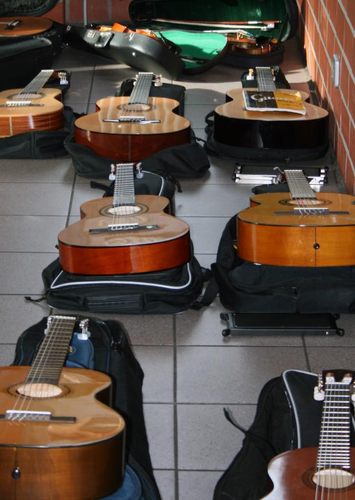 bild_1_gitarren